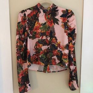Beautiful floral top with poof shoulders